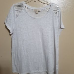 White cold shoulder tee shirt